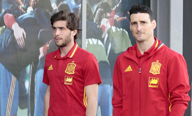 Vì sao Del Bosque chuộng hàng Barca hơn Real?