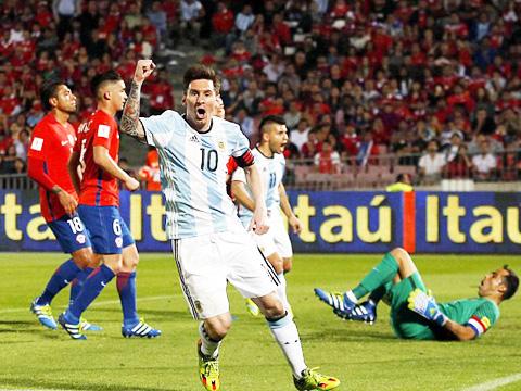 Chile 1-2 Argentina: Messi trở lại, Argentina trả nợ thành công
