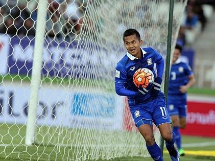 Hòa Iraq 2-2, Thái Lan đến gần World Cup 2018