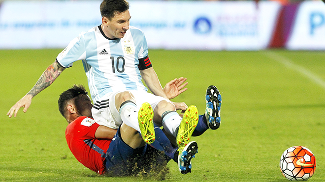 Messi quay cuồng trong 'tiếng nhạc Rolling Stones'