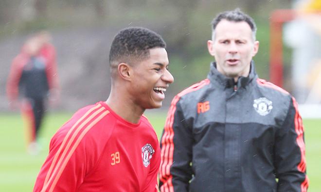 Giggs nhắn nhủ Mourinho: 'Lứa trẻ luôn là tương lai của M.U'