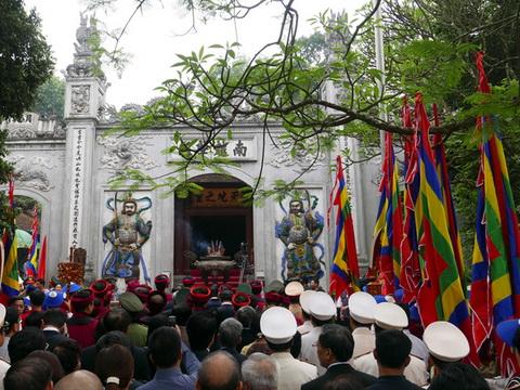 Giỗ tổ Hùng Vương 2016: Thử nghiệm đồng loạt dâng hương trên toàn quốc