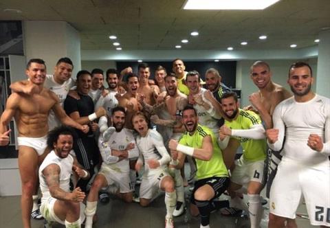 Kahn: 'Dạo này tôi nhìn thấy cơ bắp của Ronaldo còn nhiều hơn ngực vợ mình'