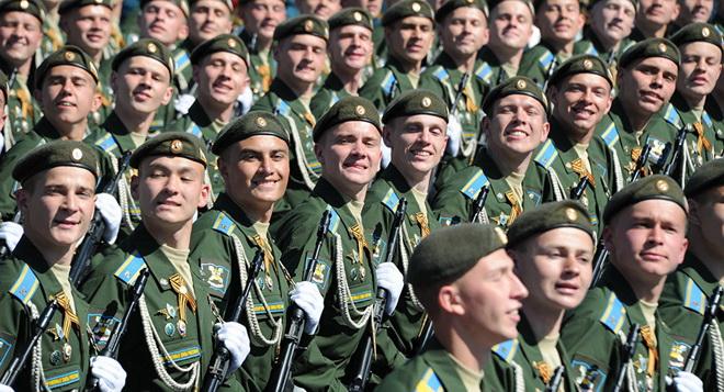 Lý giải 'nụ cười Nga' của những người lính diễu binh Chiến thắng