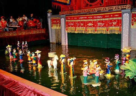 Rối nước Việt Nam lần đầu tiên trình diễn ở Trung Đông