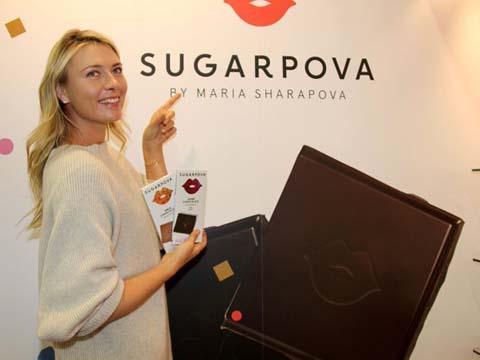 Maria Sharapova: Xa quần vợt tranh thủ đi bán sô cô la