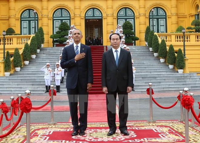 Tổng thống Obama tuyên bố dỡ bỏ lệnh cấm vận vũ khí đối với Việt Nam