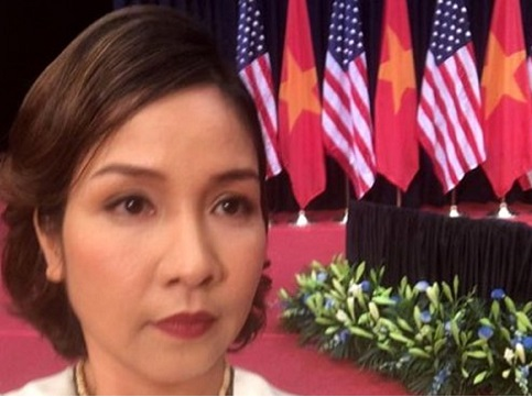 Mỹ Linh hát Quốc ca theo phong cách thính phòng trước Tổng thống Obama