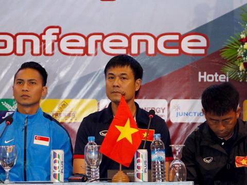 HLV Nguyễn Hữu Thắng thận trọng trước Hong Kong