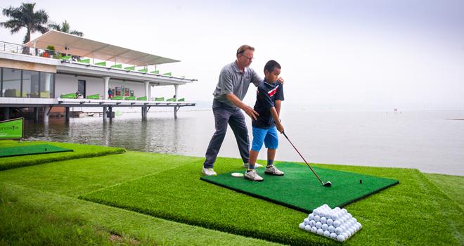 Du học golf và đam mê của cậu bé tên Sơn