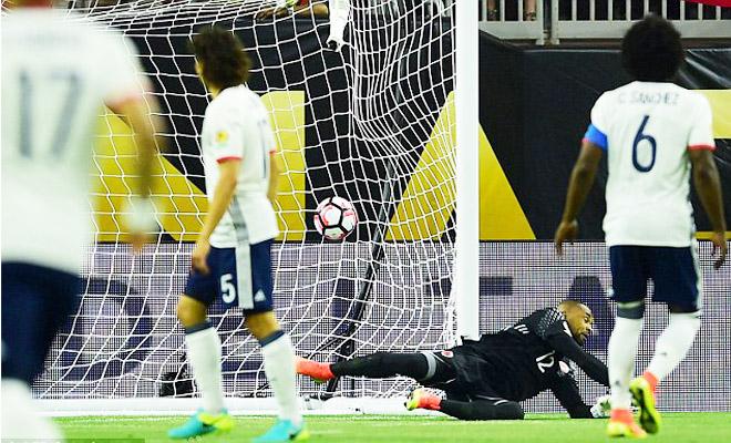 Colombia 2-3 Costa Rica: Giữ sức cho tứ kết, Colombia mất ngôi đầu