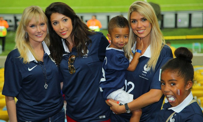 CHÙM ẢNH: Những phụ nữ 'quyền lực' nhất của tuyển Pháp là ai?