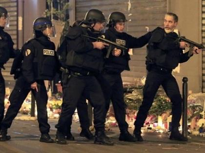 Cảnh sát Pháp vất vả với các hooligan