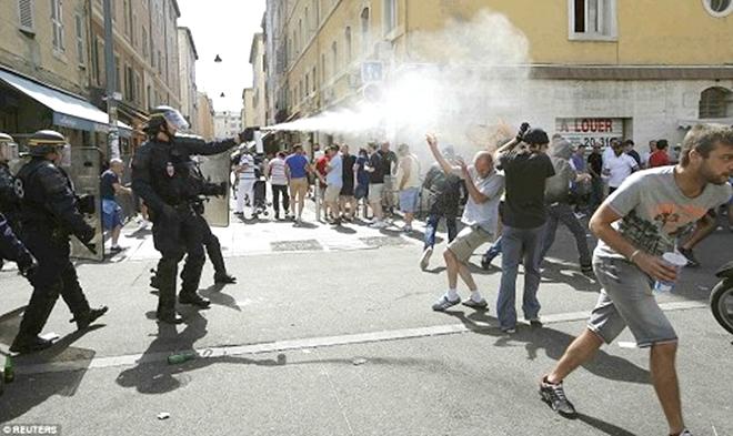 Paris và phía Bắc Pháp với rủi ro hooligan