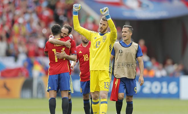 Đội tuyển Tây Ban Nha: Hãy đánh bại De Gea, nếu có thể!