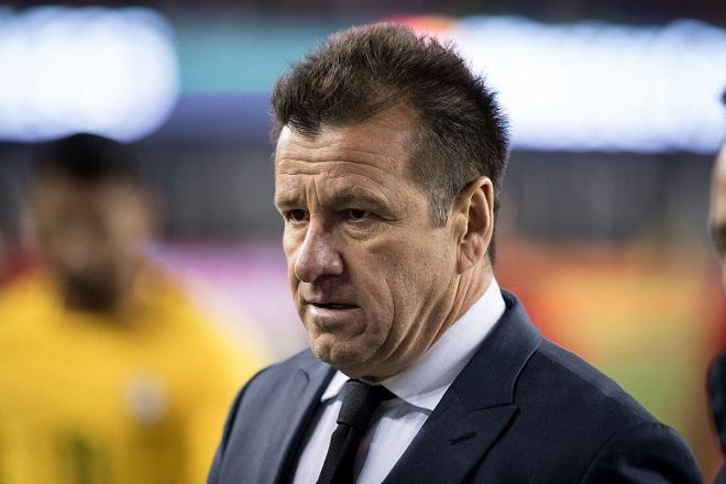 Carlos Dunga là nạn nhân của bóng đá Brazil?