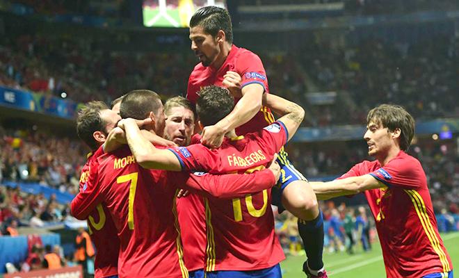 Tây Ban Nha giành vé vòng 1/8: Tìm lại vị thế của nhà Vua