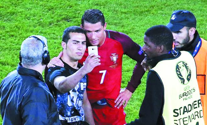 Góc nhìn 365: Ronaldo cứ việc chơi dở đi, vẫn chưa đến giờ diễn!