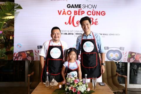 'Bố ơi mình đi đâu thế' - Diễn viên Mạnh Trường và bé Chip làm giám khảo Gameshow
