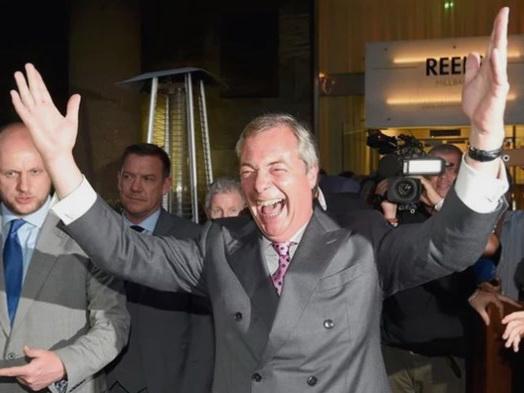 VIDEO: Ngắm khuôn mặt của người Anh vào phút cuối cùng của Brexit