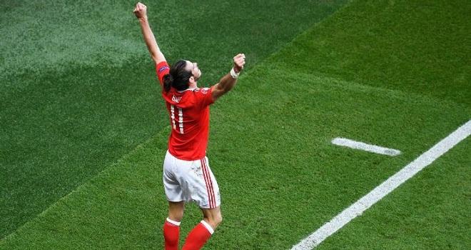 Không ghi bàn, Gareth Bale vẫn là người hùng Xứ Wales