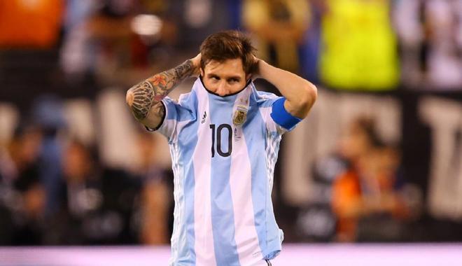 NÓNG: 5 cầu thủ theo chân Messi chia tay tuyển Argentina