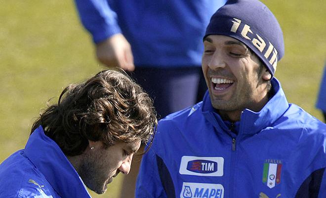 Christian Vieri: 'Buffon có thể bắt đến khi... 50 tuổi!'