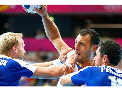 Báo chí Pháp trước trận gặp Iceland: Pháp cần tham chiếu đội tuyển... bóng ném