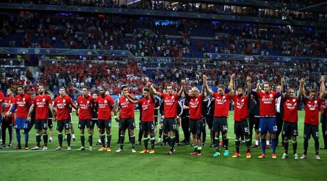 Xuất sắc vào bán kết EURO, Xứ Wales nhảy 11 bậc, vượt mặt Anh trên BXH FIFA