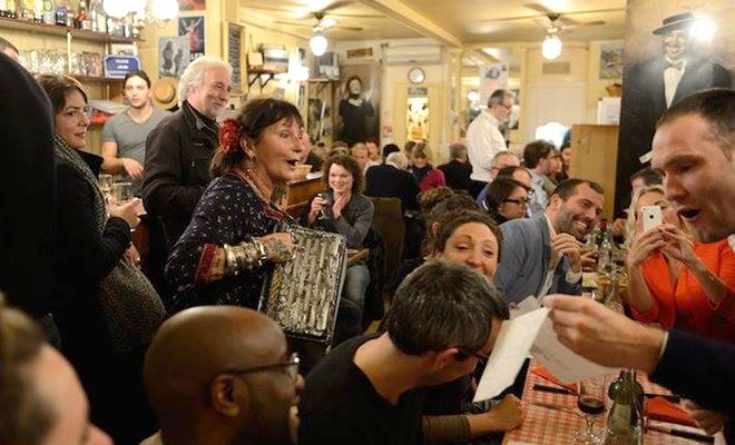 Những nẻo đường EURO: Có một Paris trong tiếng ca