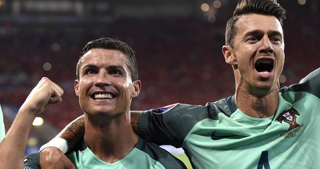 Danh thủ Bồ Đào Nha: 'Ronaldo xứng đáng vô địch, cậu ấy hi sinh quá đủ rồi'