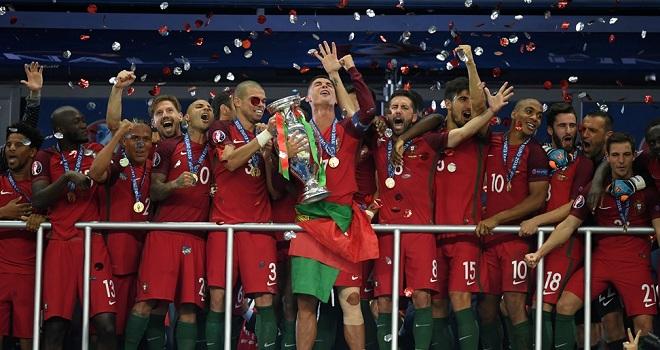 CHÙM ẢNH: Bồ Đào Nha vỡ òa với chức vô địch EURO 2016 lịch sử