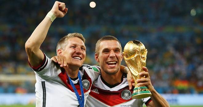 Schweinsteiger và Podolski bị thúc giục từ giã tuyển Đức