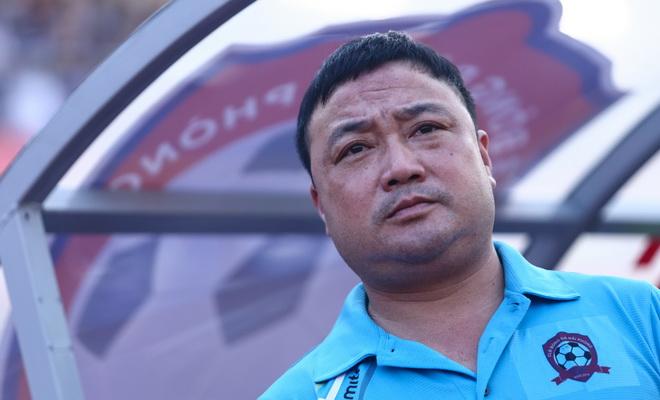 HLV Trương Việt Hoàng: 'Hải Phòng đang chịu áp lực vô địch'