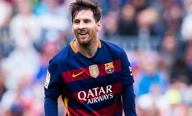 Bơi 1km để gặp Messi, fan Atletico Madrid được hưởng đặc ân