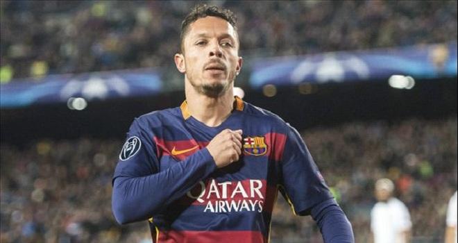 CHÍNH THỨC: Adriano rời Barca đến Besiktas