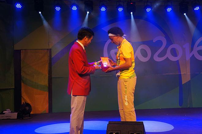 Thượng cờ đoàn thể thao Việt Nam ở Olympic Rio 2016