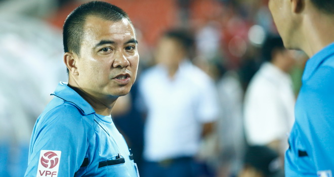 'Treo còi' trọng tài Phùng Đình Dũng tới hết V-League 2016