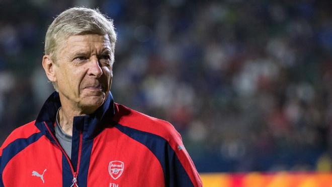 Vì sao lại một mùa bóng 'vứt đi' đang chờ Arsenal và Wenger?