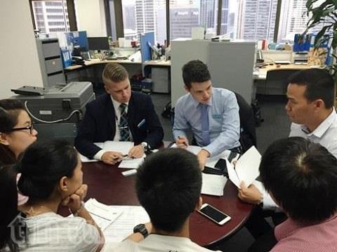 Kẻ lừa du học sinh Việt mua vé máy bay giả lĩnh án 18 tháng tù treo
