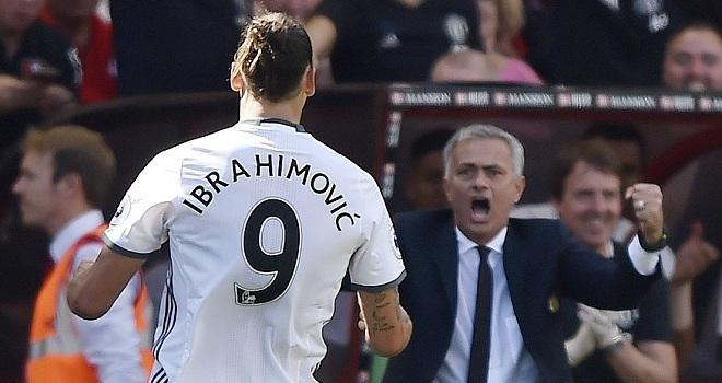 ĐẲNG CẤP Ibrahimovic: Dọn cỗ bằng gót cho Rooney, sút xa ghi bàn ra mắt Premier League