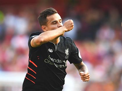 Arsenal 3-4 Liverpool: Điên rồ và kịch tính ở Emirates