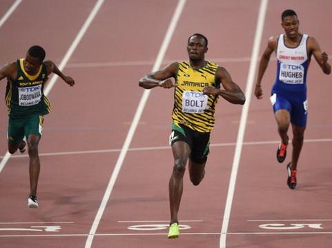 Vì sao Usain Bolt chạy nhanh đến thế?