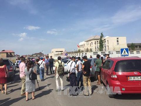 Vụ tấn công bằng bom xe vào Đại sứ quán Trung Quốc là 'khủng bố'