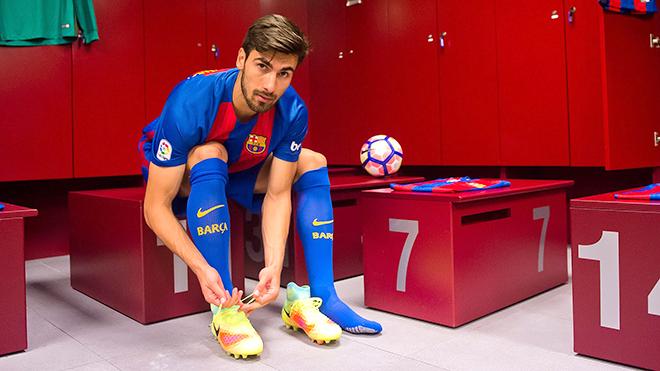 Cũng đến lúc Barca học hỏi Real