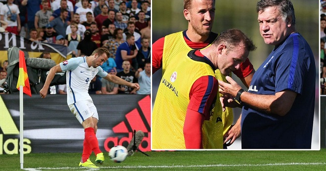 Rooney đã 'bật' Roy Hodgson về việc để Harry Kane đá phạt góc