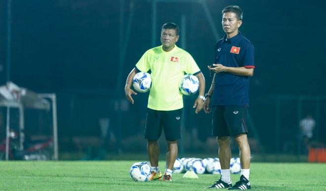 HLV Hoàng Anh Tuấn: 'Dẫn dắt U22 Việt Nam không ảnh hưởng tới đội U19'