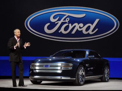 Ford tăng thu hồi xe do lỗi cửa tự mở khi đang chạy