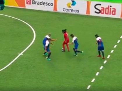 Cầu thủ khiếm thị lập SIÊU PHẨM kiểu Messi ở Paralympic 2016