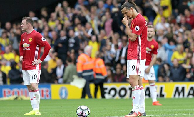 Mourinho: Hết trăng mật thì… vỡ mật